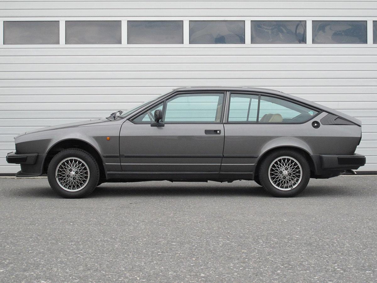 Alfa Romeo Alfetta GTV 2000 anthrazit 1984