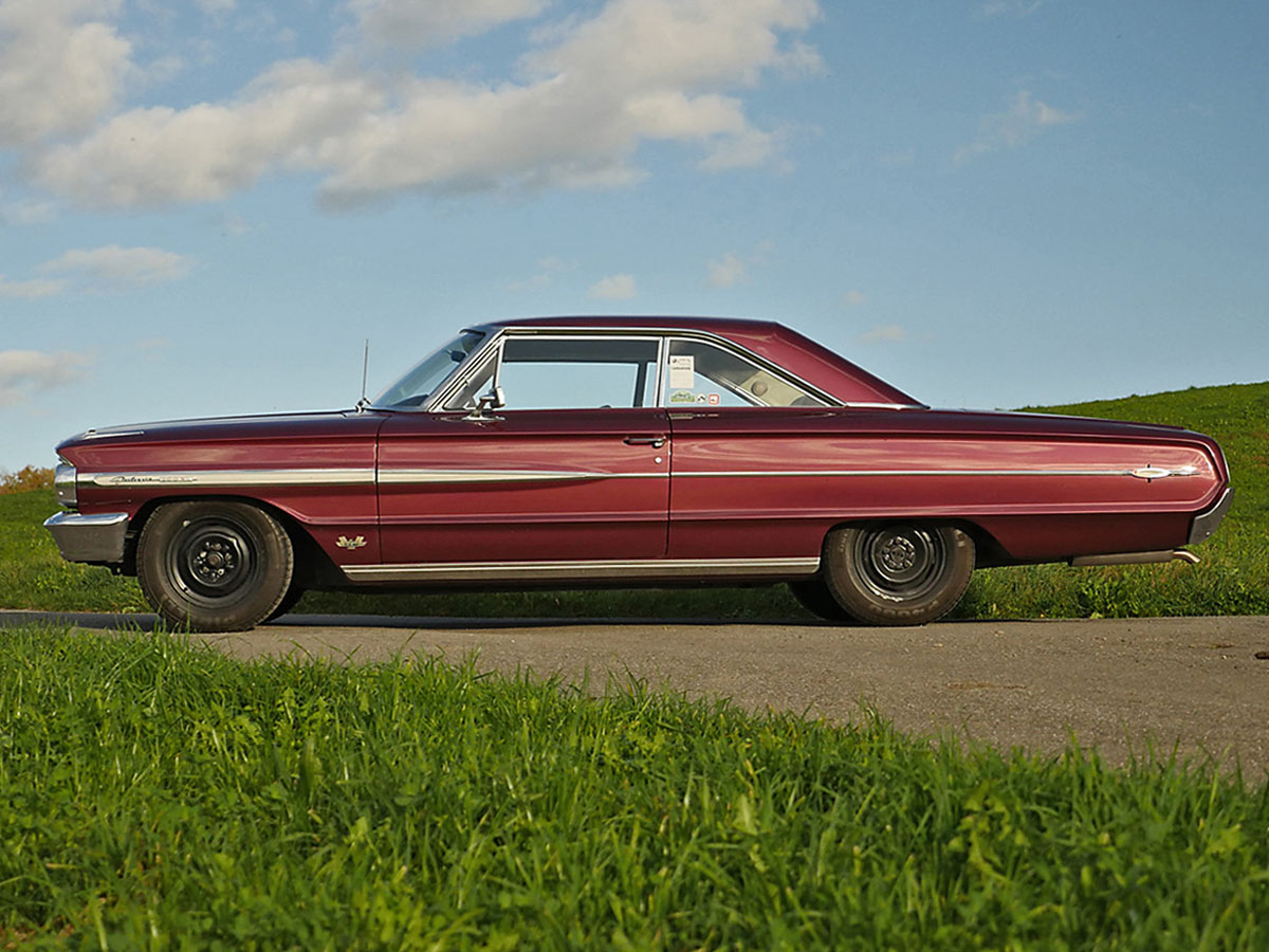 Ford Galaxie XL 500 427 R-Code rubyred 1964