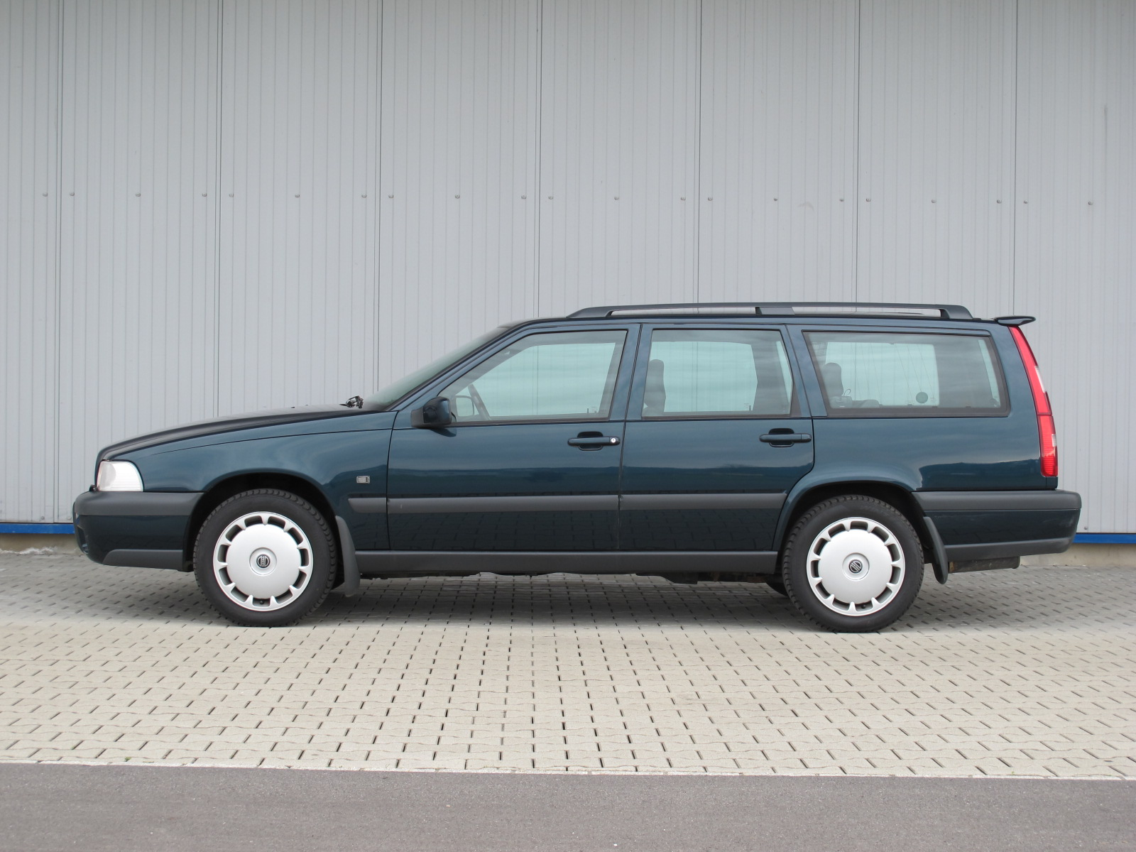 Volvo XC70 AWD Crosscountry Kombi grün 1998