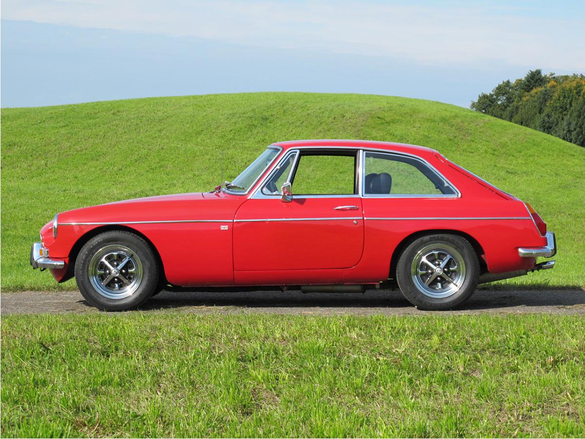 MG B GT Coupé rot 1972