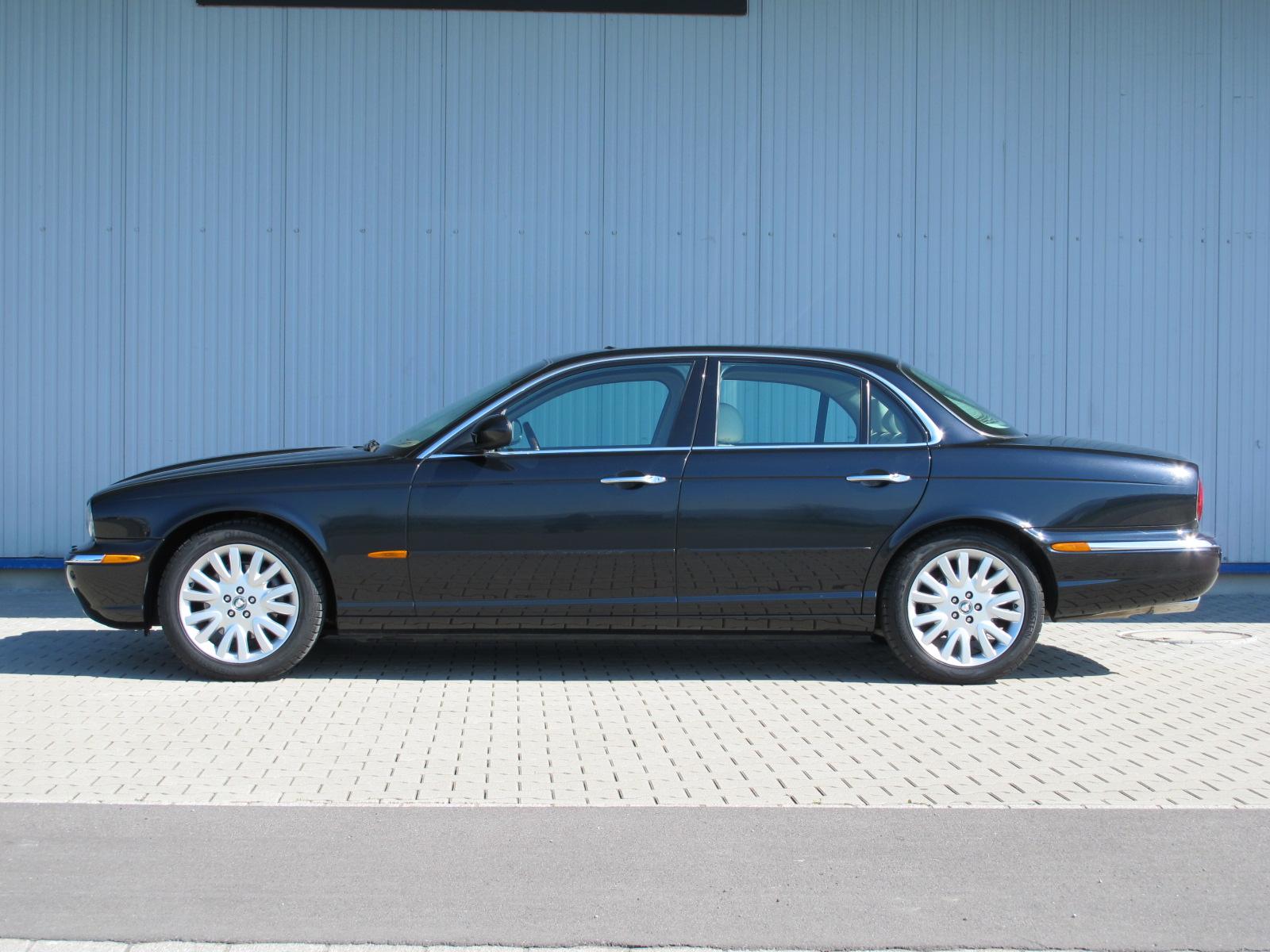 Jaguar XJ8 4.2 Liter schwarz 2003