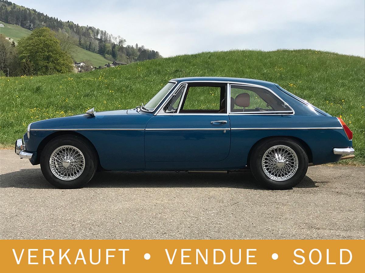 MG B GT dunkelblau 1973