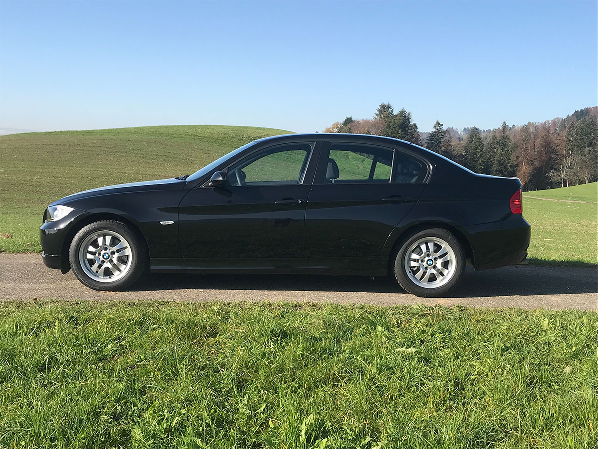 BMW 318i E90 manual schwarz 2007