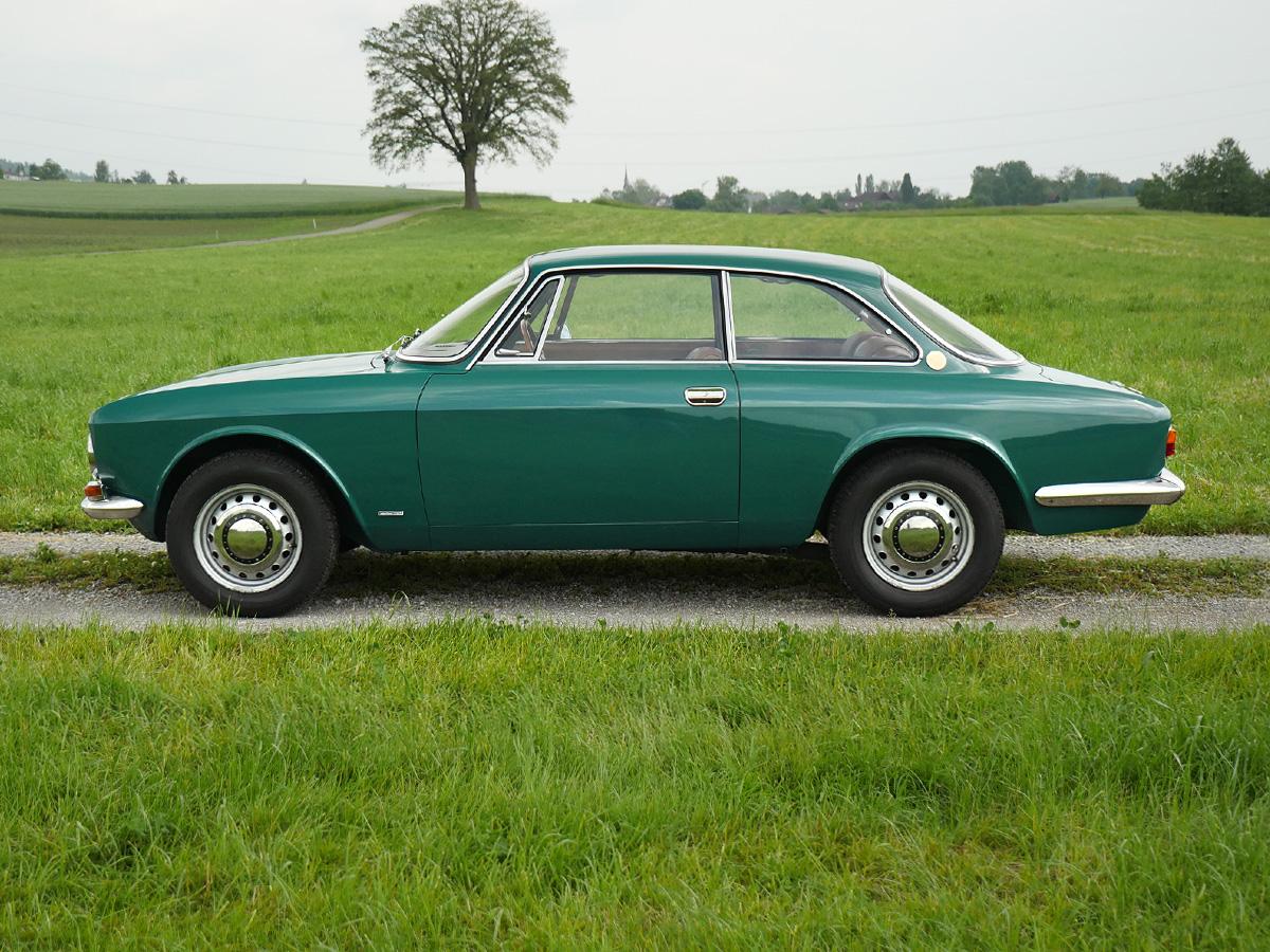 Alfa Romeo GTV 1750 verdepino 1969