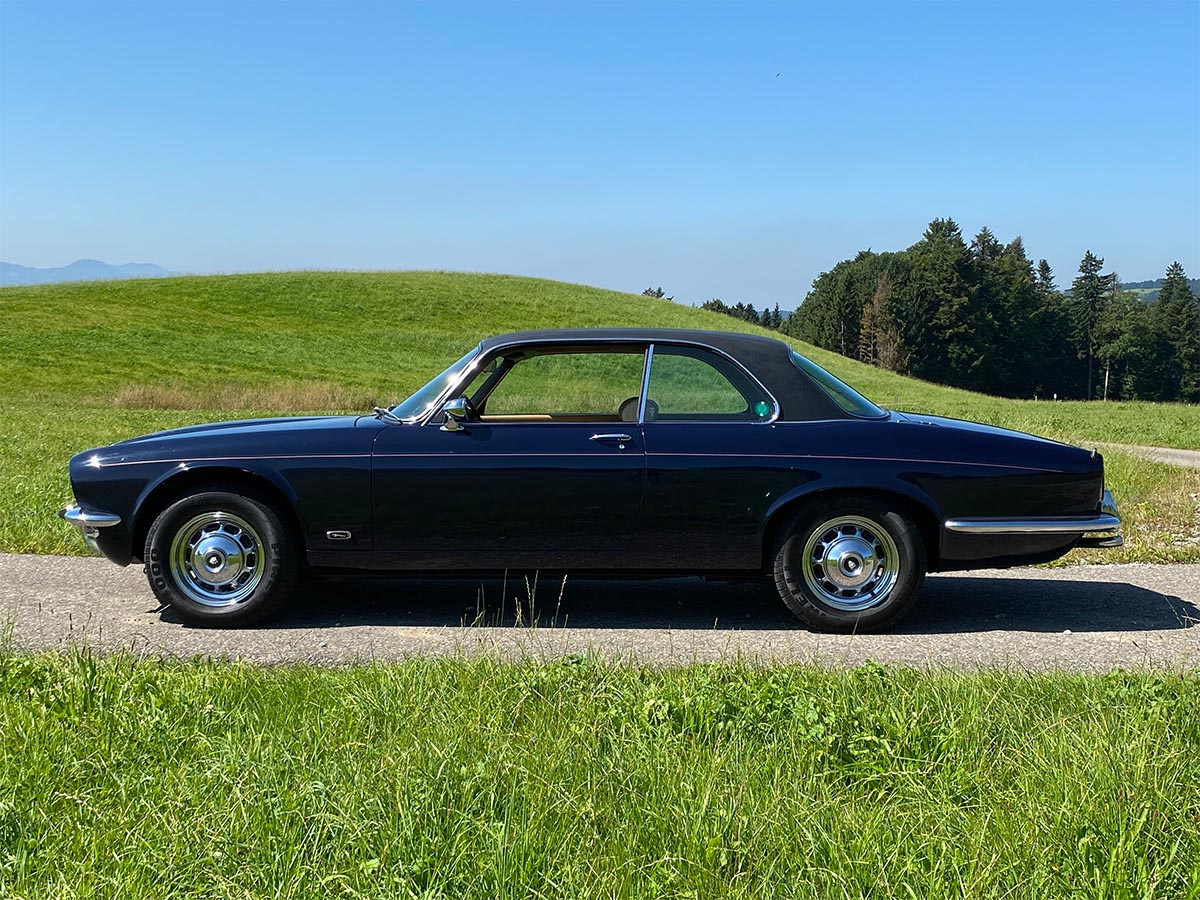 Jaguar XJ6 4.2 Liter Coupé dunkelblau 1976
