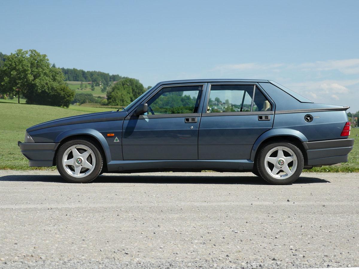 alfa romeo 75 2-0 ts blau 1990 1200x900 0000 1