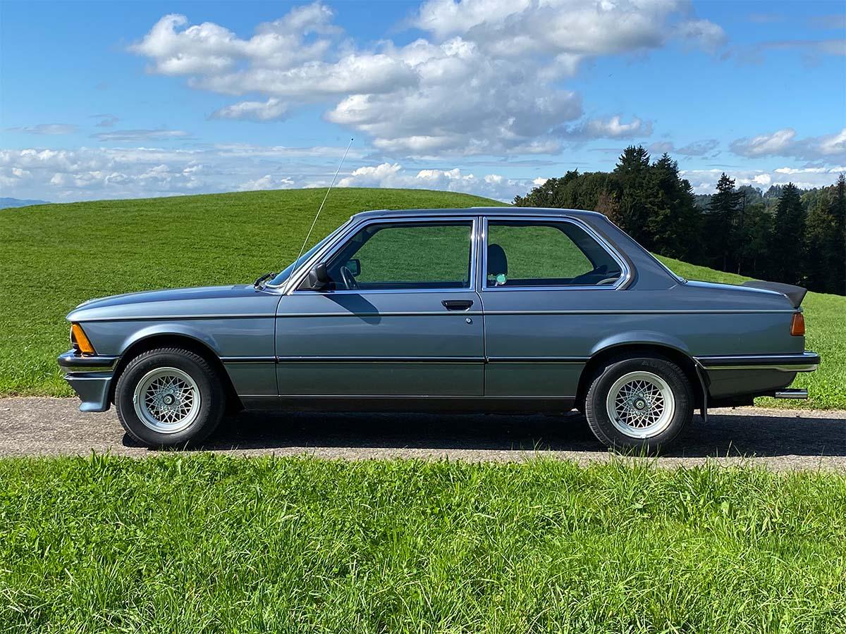 bmw 320 06 e21 coupe sd nauticblau 1982 0000 IMG 1