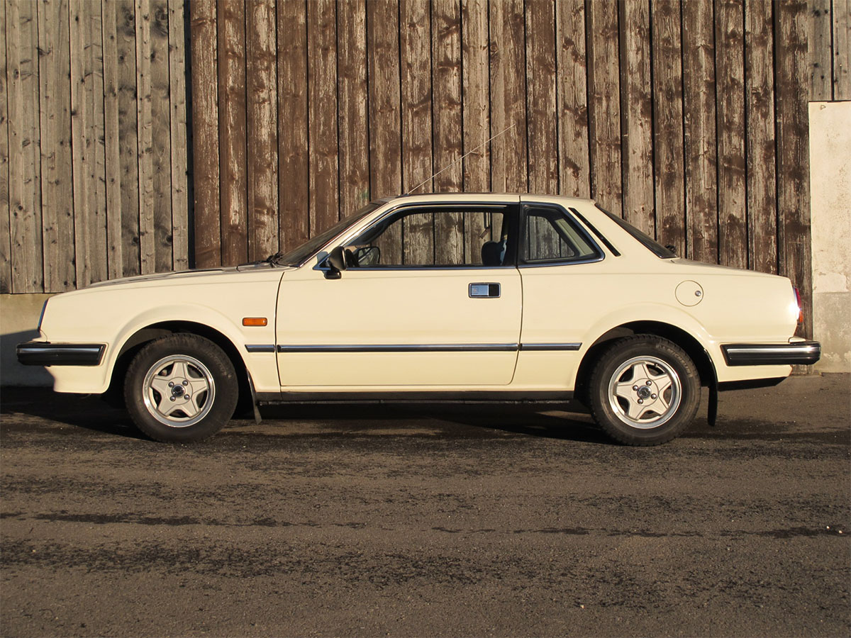 honda prelude 1-6 coupe weiss 1981 1200x900 0000 1