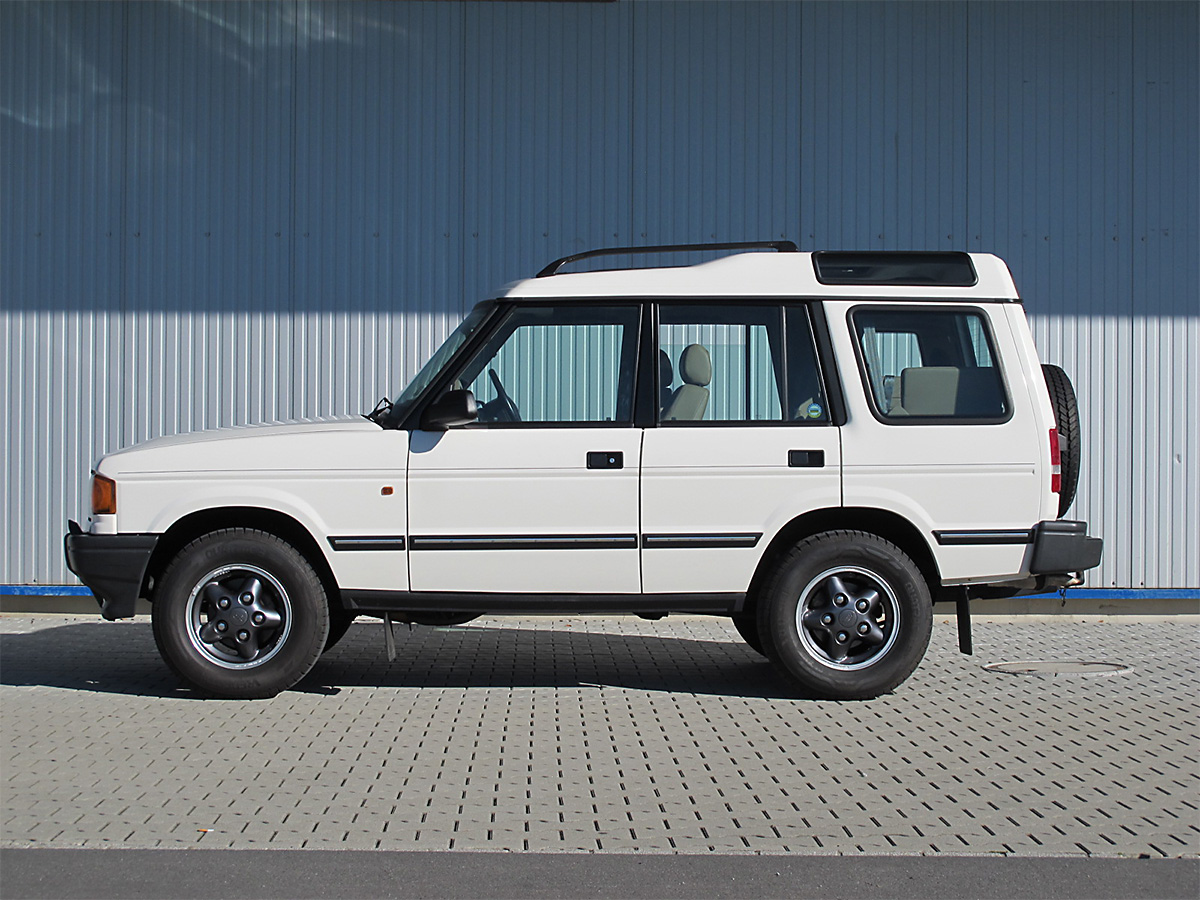 land rover discovery 3-9i v8 weiss 1998 1200x900 0000 1