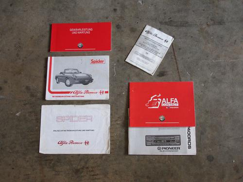 alfa romeo 2-0 spider schwarz 1992 1200x900 0010 11