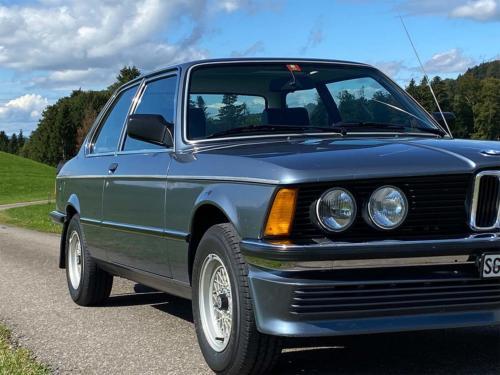 bmw 320 06 e21 coupe sd nauticblau 1982 0005 IMG 6