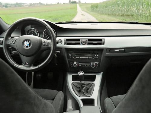 bmw 335i touring graumet 2011 1200x900 0007 8