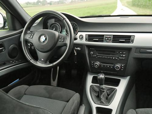 bmw 335i touring graumet 2011 1200x900 0012 13
