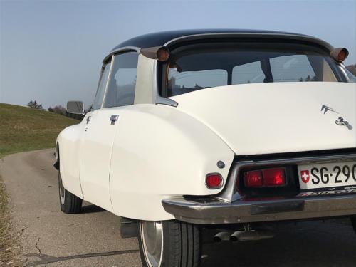 citroen d super limousine weiss 1973 0008 Ebene 7