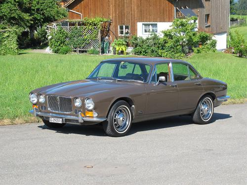 jaguar xj12 serie 1 braun 1973 1200x900 0001 2