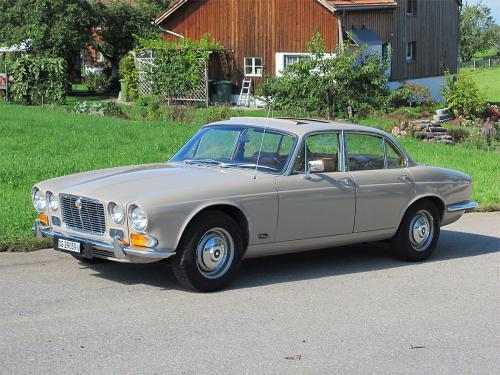 jaguar xj6 2-8 serie 1 beige 1971 1200x900 0001 2