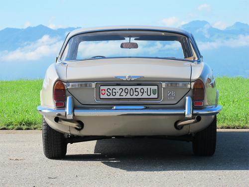 jaguar xj6 2-8 serie 1 beige 1971 1200x900 0004 5
