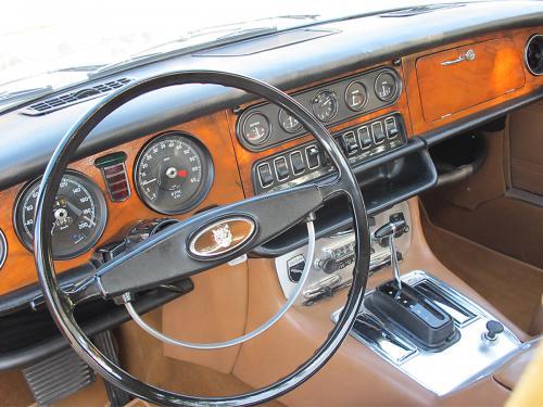 jaguar xj6 2-8 serie 1 beige 1971 1200x900 0008 9