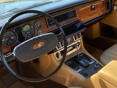 jaguar xj6 4-2 liter coupe dunkelblau 1976 0012 IMG 13