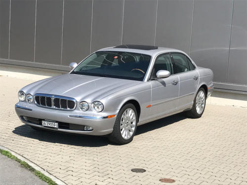 jaguar xj8 3.5 V8 Executive silber 2004 0001 2