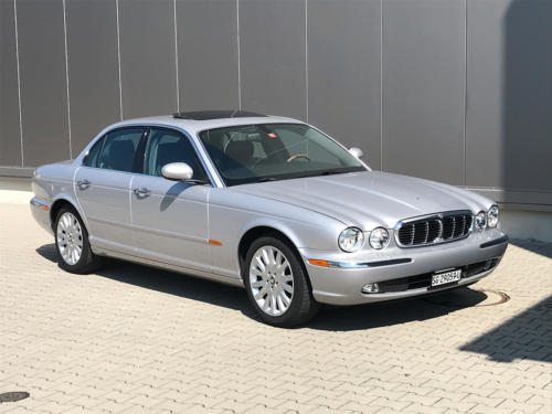 jaguar xj8 3.5 V8 Executive silber 2004 0002 3