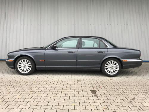 jaguar xj8 4-2 executive grau 2004 0000 1