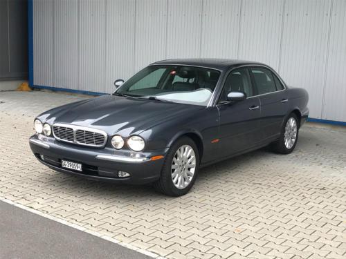 jaguar xj8 4-2 executive grau 2004 0001 2