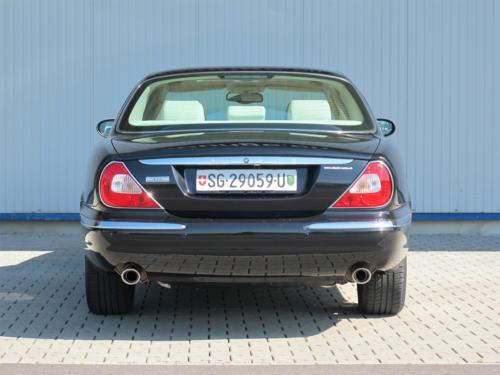 jaguar xj8 4-2 schwarz 2003 1200x900 0005 6