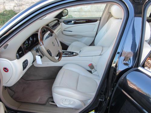 jaguar xj8 4-2 schwarz 2003 1200x900 0007 8