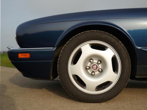 jaguar xjr6 4.0 dunkelblau 1994 0016 17