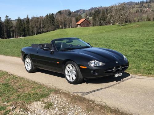 jaguar xk8 cabrio 4-0 schwarz schwarz 1997 0001 Ebene 14