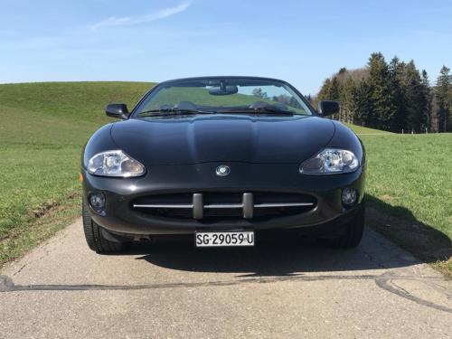 jaguar xk8 cabrio 4-0 schwarz schwarz 1997 0003 Ebene 12