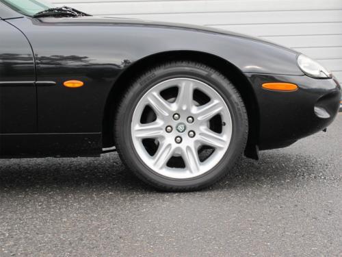jaguar xk8 cabrio 4-0 schwarz schwarz 1997 0009 Ebene 6