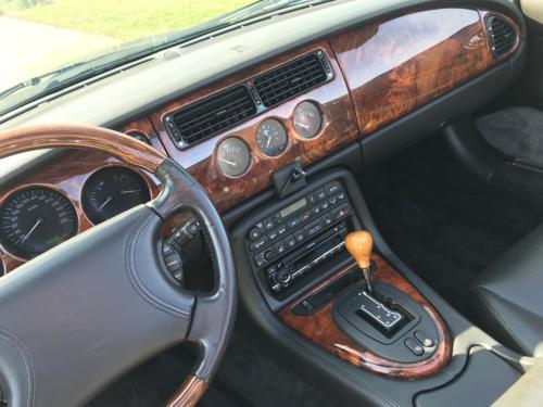 jaguar xk8 cabrio 4-0 schwarz schwarz 1997 0012 Ebene 3