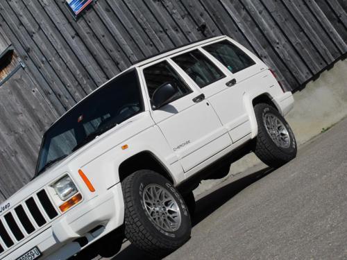 jeep cherokee 4-0 ltd weiss 1997 1200x900 0005 6