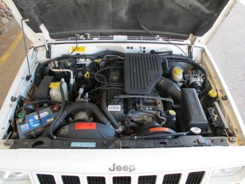 jeep cherokee 4-0 ltd weiss 1997 1200x900 0009 10