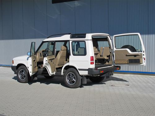 land rover discovery 3-9i v8 weiss 1998 1200x900 0003 4