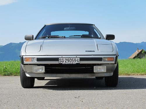mazda rx-7 coupe silber 1979 1200x900 0003 4