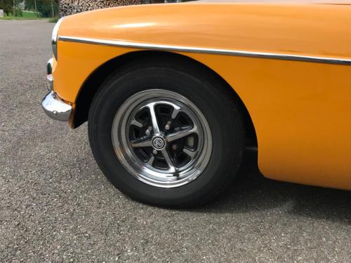 mg b cabriolet dunkelgelb 1972 0007 8