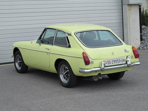mg b gt coupe primrose yellow 1976 1200x900 0002 3