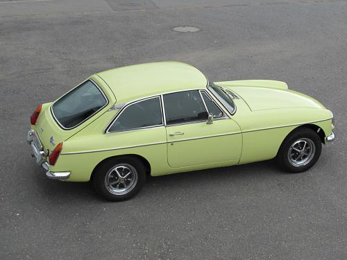 mg b gt coupe primrose yellow 1976 1200x900 0010 11