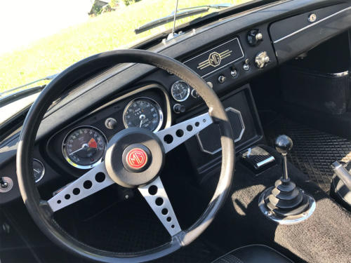 mg b roadster dunkelgruen 1972 0011 12