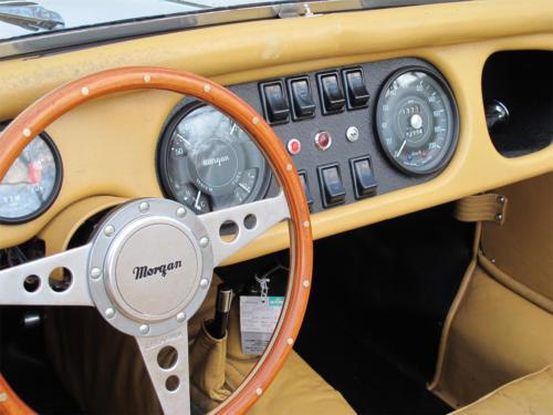 morgan roadster plus 4 weiss 1977 0011 Ebene 4