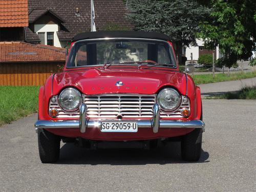 triumph tr4 roadster rot 1963 1200x900 0003 4