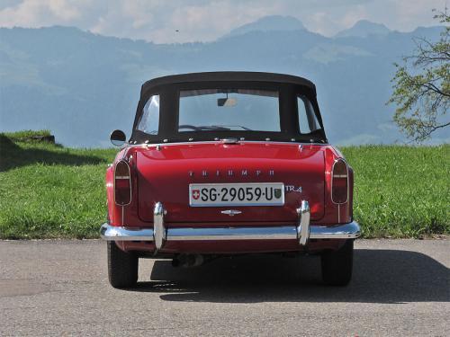 triumph tr4 roadster rot 1963 1200x900 0004 5