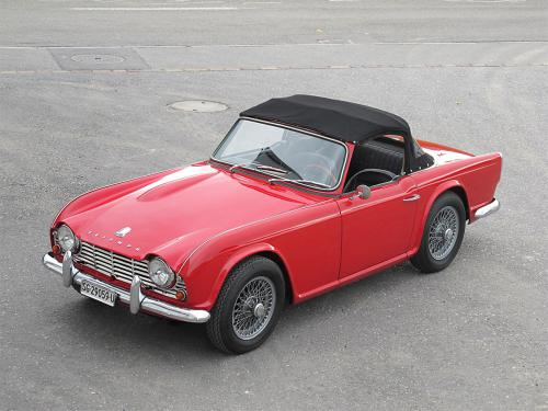 triumph tr4 roadster rot 1963 1200x900 0010 11