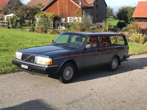 volvo 240 classic kombi dunkelblau automatic 1993 0001 Ebene 14