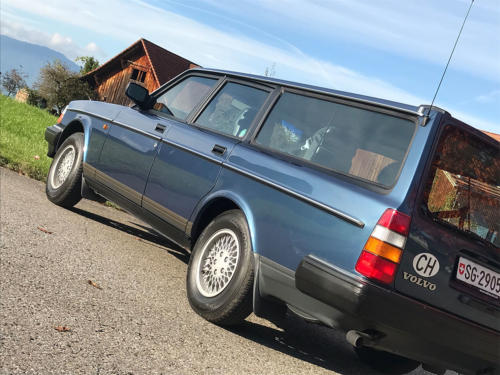 volvo 240 classic kombi dunkelblau automatic 1993 0009 Ebene 6