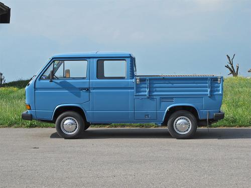 vw bus t3 doka blau 1988 1200x900 0000 1