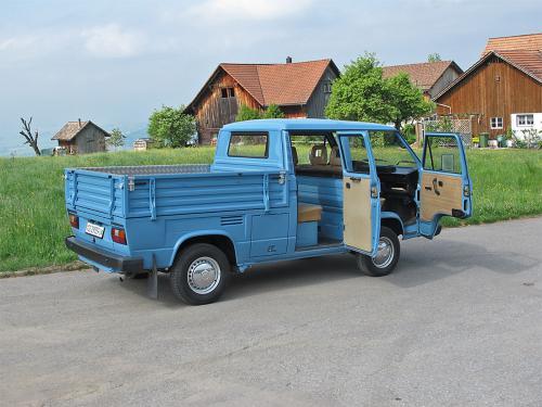 vw bus t3 doka blau 1988 1200x900 0003 4